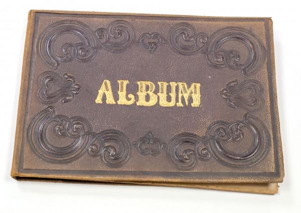 Wundervolles Biedermeier Poesiealbum, Gedenkbuch , 1867 mit vielen Widmungen und Einträgen
