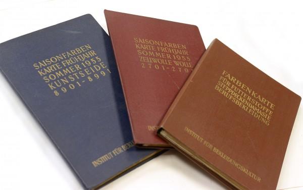 Musterbücher | Farben und Trends von Stoffen 1955 der Textilindustrie der DDR Rarität