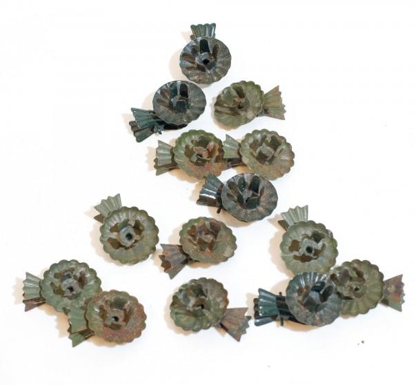 14 antike Baumkerzenhalter klassisch, Klammer in Schleifenform leicht rostig