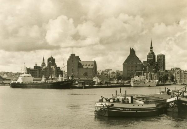 Ansichtskarte Stralsund Hafen DDR