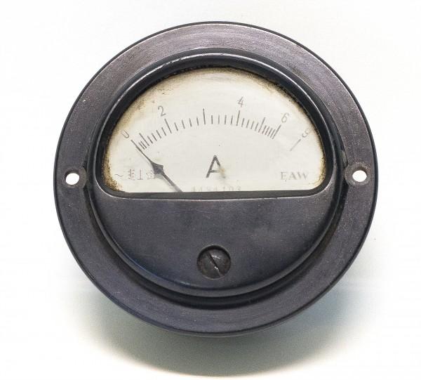rundes Amperemeter Einbauinstrument Bakelit von EAW Berlin DDR 50iger 60iger