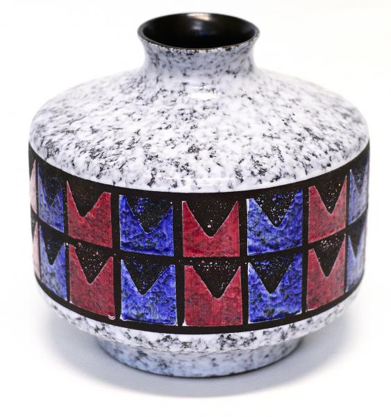 stylische Vase aus den 70er Jahren