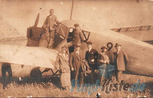 Historisches Foto, 1930er Junkers F 13 | Personengruppe