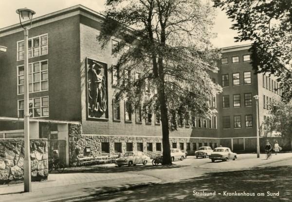 Ansichtskarte Stralsund, Krankenhaus am Sund DDR
