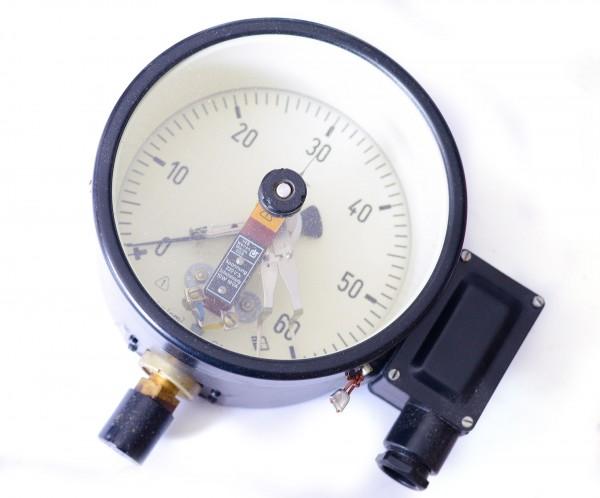DDR Manometer Kontaktmanometer zwei Kontakte 0-60kp/cm² (~0-60bar) M20x1,5 160mm